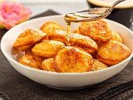 Бързи лесни пържени бухти със сирене от брашно, кисело мляко, яйца и сода или бакпулвер